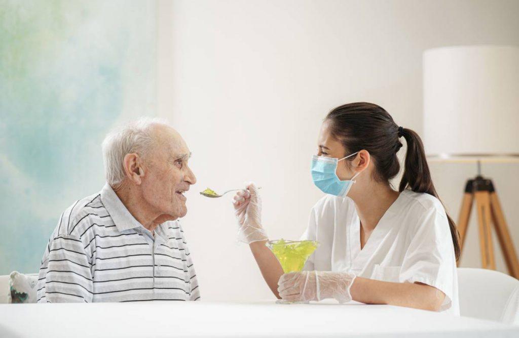 DomusVi - Passos para uma alimentação saudável em seniores